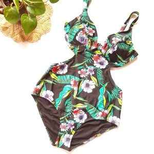13e90a43e88 Old Navy Swim - Old Navy tropical print cut-out monokini swim suit